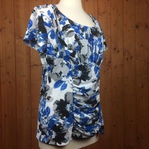 Alfani Blue & Black & White Floral Fitted Top XL